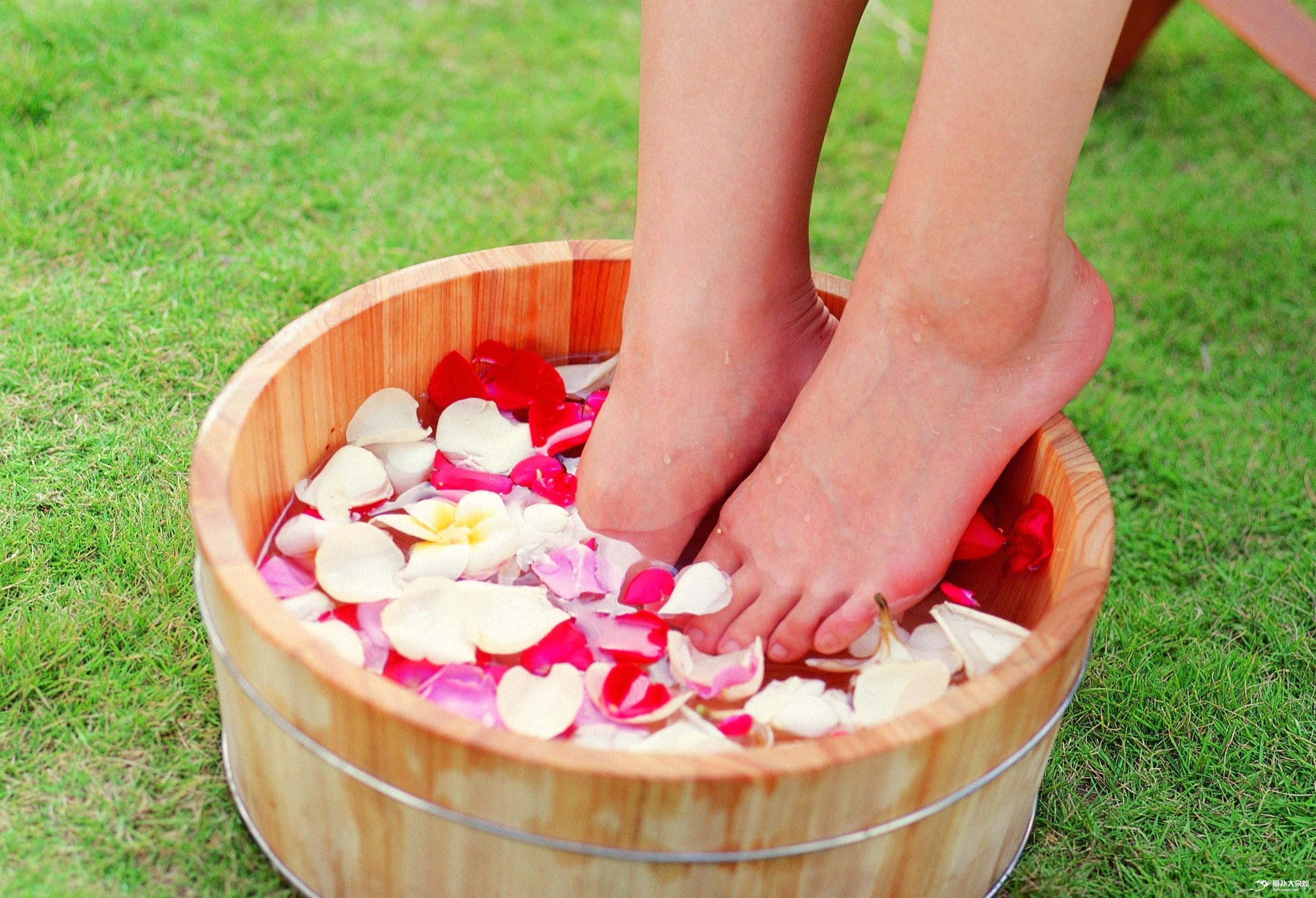 泡脚可以排毒吗 用什么泡脚可以排毒