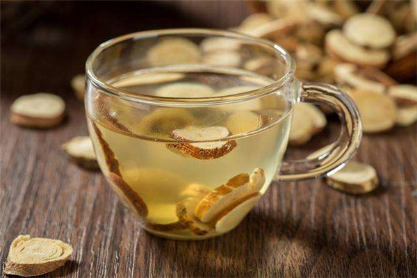 秋燥喉咙肿痛喝什么茶好 多喝这3款茶有好处