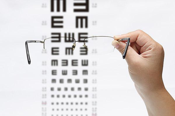 近视眼怎么恢复视力 近视眼恢复视力的方法