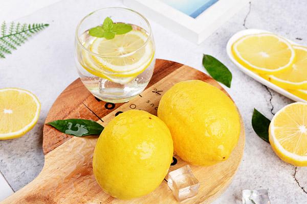 柠檬泡水1.jpg