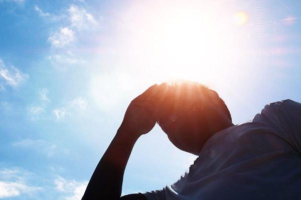 中暑的症状及治疗方法