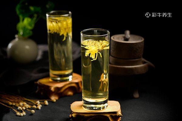 喝菊花茶1.jpg
