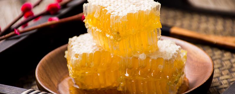 蜂蜜和什么不能一起吃 蜂蜜的饮食禁忌