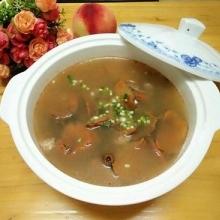 枞树菌瘦肉汤