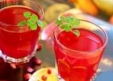 软化血管吃什么? 老年人软化血管果饮石榴汁