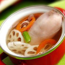 莲藕胡萝卜汤