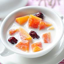 红枣木瓜炖鲜奶