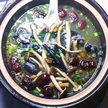 茶树菇红枣乌鸡汤