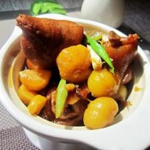 板栗桂圆炖猪蹄