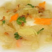 银耳海鲜汤