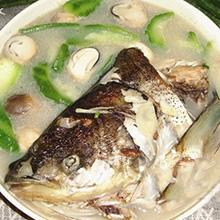 草菇鱼头汤