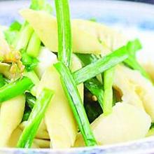 韭菜薹拌竹笋