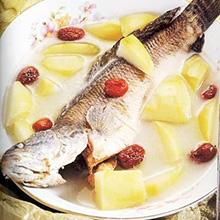 菠萝鲤鱼汤