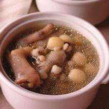 扁豆薏米炖鸡爪