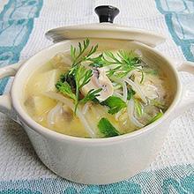 平菇绿豆芽肉汤