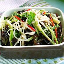 木耳金针菇炒芹菜