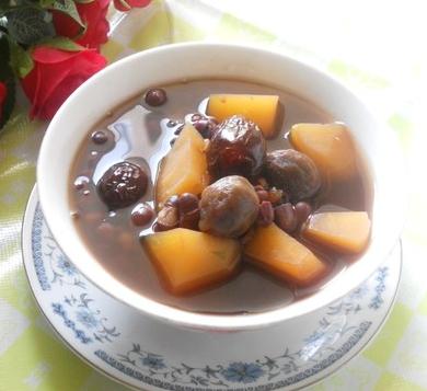楊桃桂圓甜湯