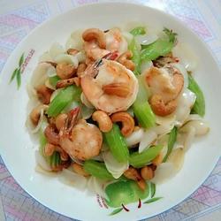 百合芹菜腰果炒虾仁