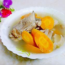 胡萝卜莲藕煲猪骨